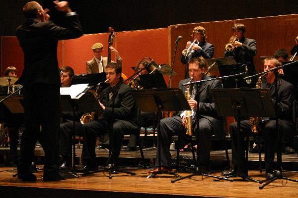 Doug Drewek directing the University of Kentucky Jazz Ensemble, Fall 2005